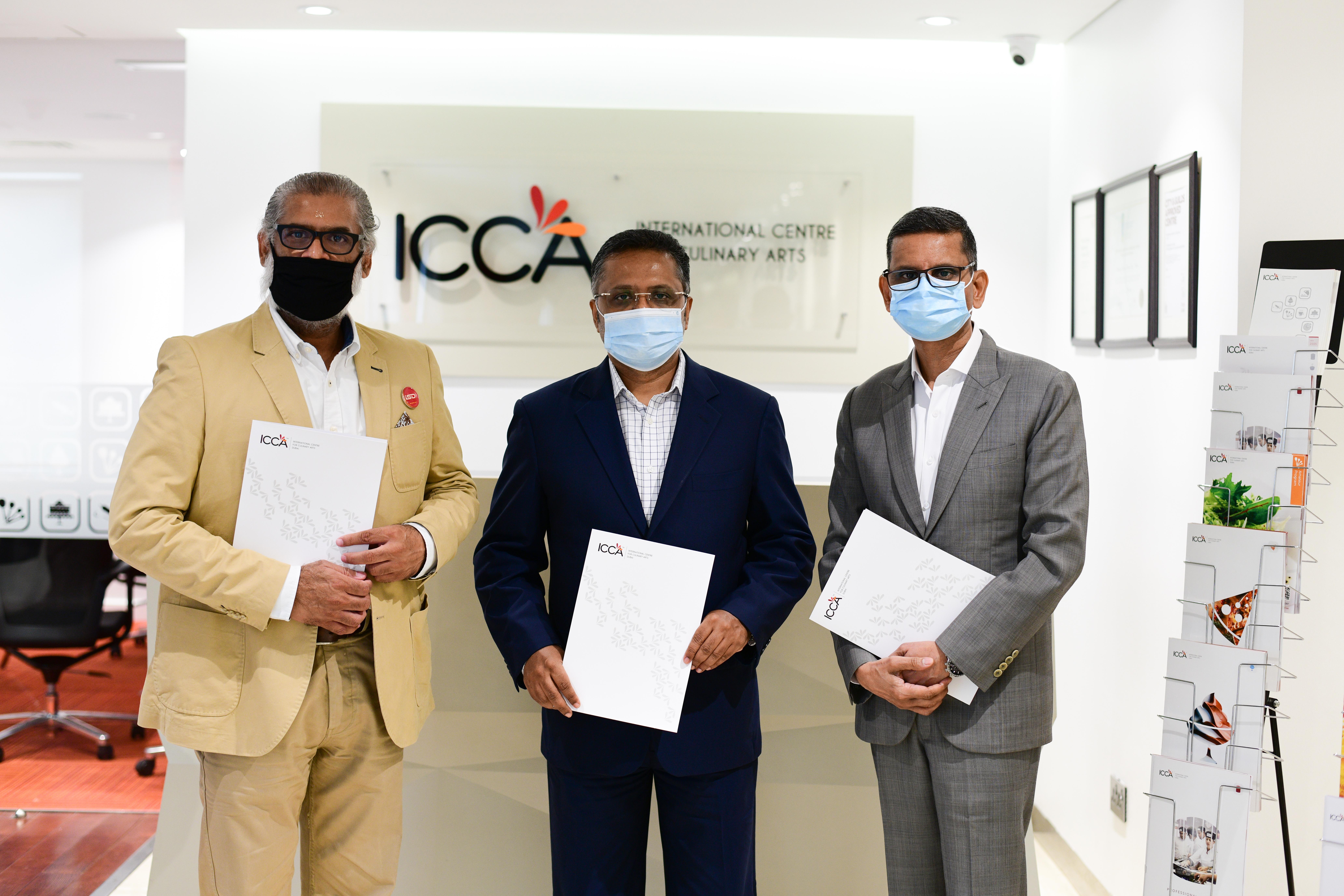 Kioxia ICCA Contractsigning picture 1